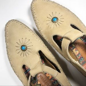 Hush Puppies | Leather Tribal Style Loafers | 6.5M